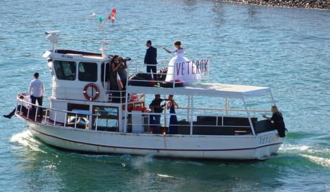 Hochzeitsschiff in Batumi