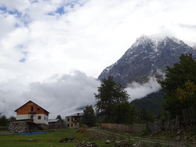 Guesthouse am Fuße des Mount Ushba