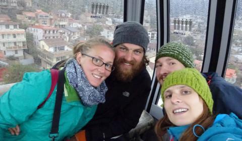 Daniela & Daniel und Matthias & Tabea in der Seilbahn