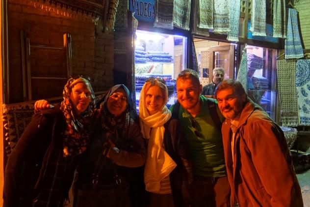 Passanten in Isfahan
