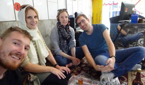 Essen auf dem Boden in Isfahan