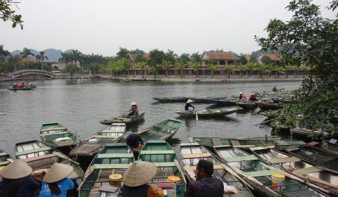 Ruderboote in Tam Coc