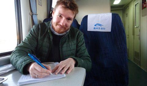 Matthias im Zug