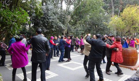 Tanz im Volkspark von Chengdu