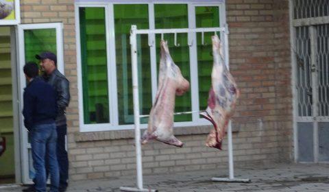 Hängendes Fleisch in Kirgistan