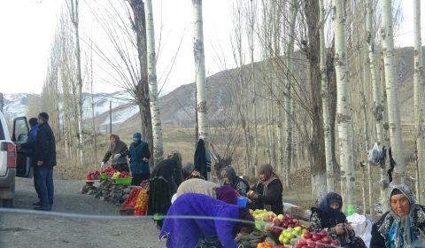 Straßenverkaufsstand in Tadjikistan