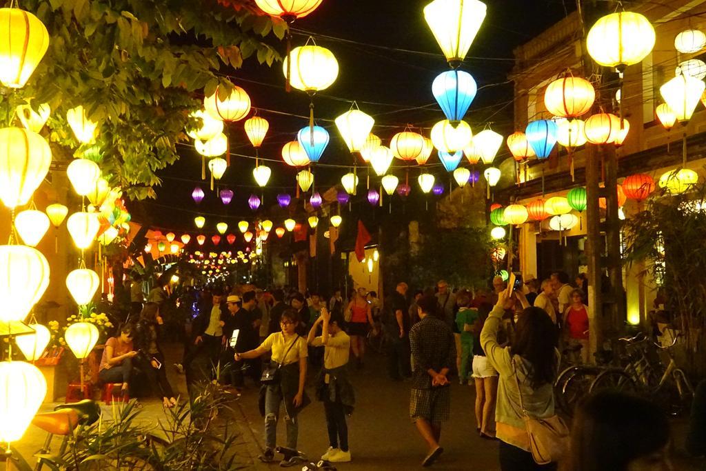 Beleuchtete Straßen von Hoi An