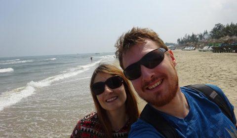 Wir am Strand von Hoi An