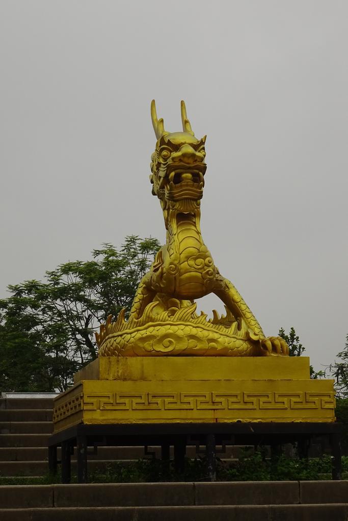 Goldener Drachen in der Verbotenen Stadt in Hue
