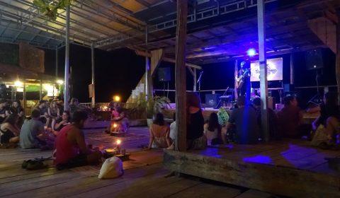 Bühne auf dem Otres Markt